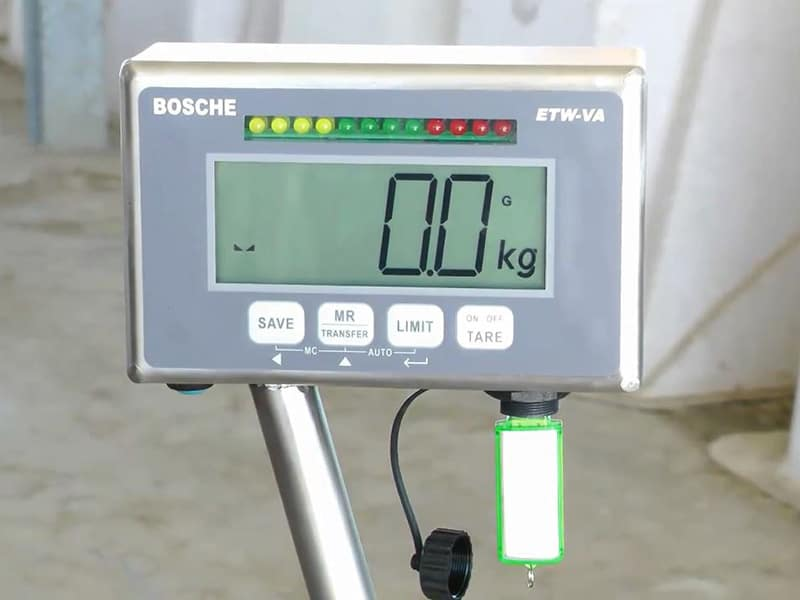 mobile animal scale with USB port